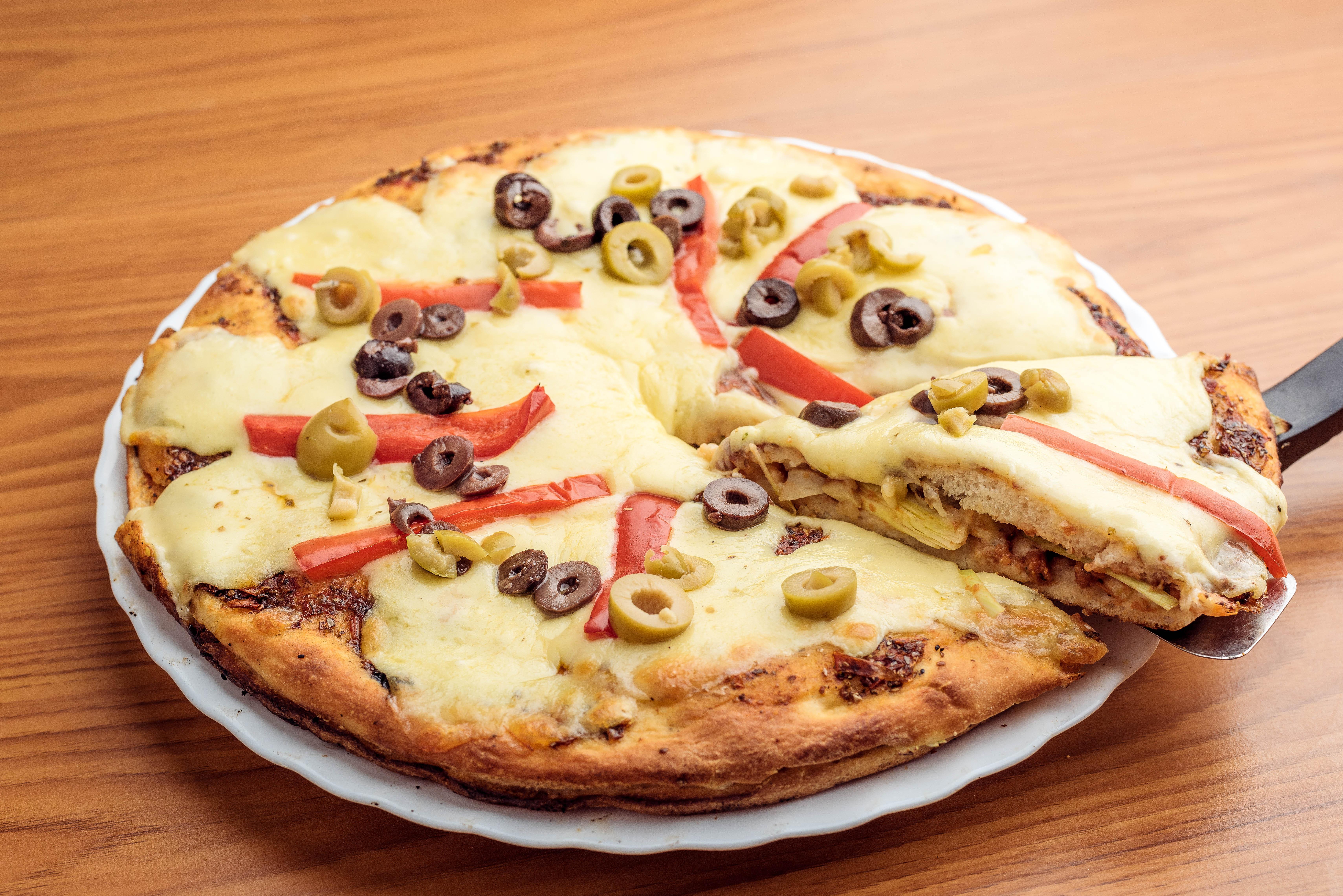 Pizza rellena clásica