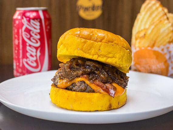 Combo - Burger BBC Club + refrigerante lata + chips