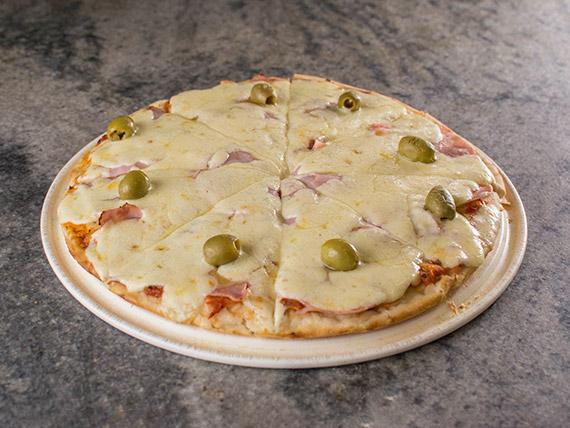 Pizza especial de jamón y queso