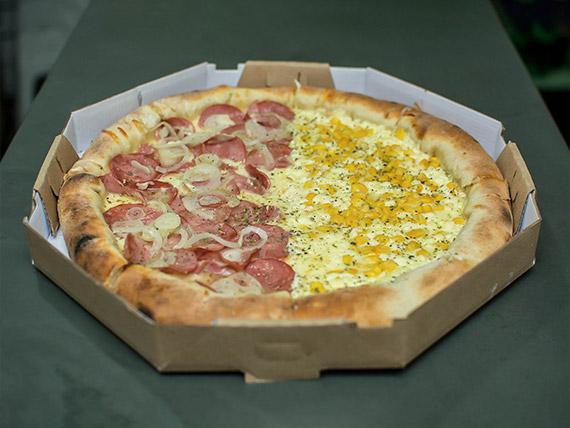 Pizza meio à meio grande (6 fatias)