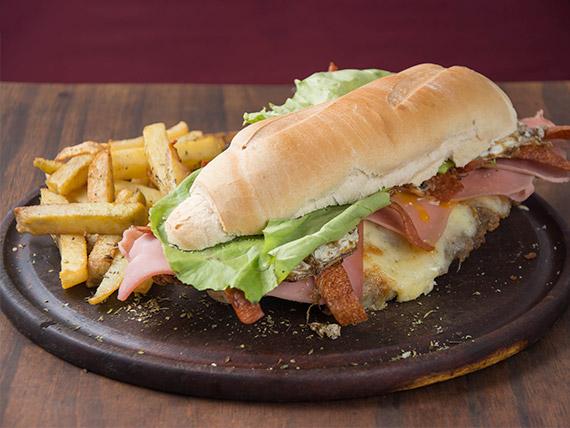 Sándwich de milanesa completo (gigante)