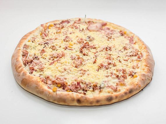Pizza bacon com milho gigante