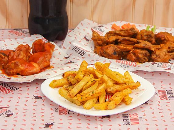 Combo 2 - 16 deliciosas alitas premium + 6 exquisitas baby ribs + papas fritas con sal y orégano + coca cola 1,5 L
