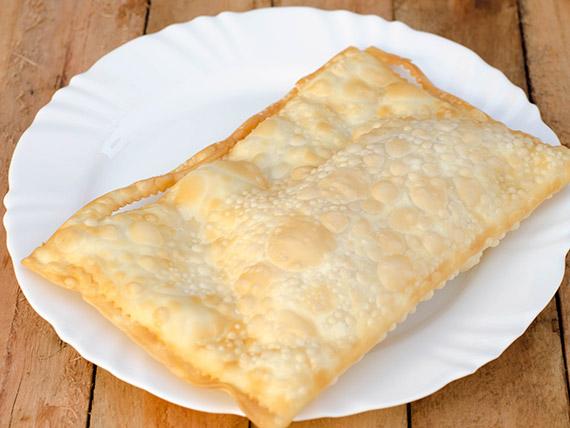 40 - Pastel de queijo