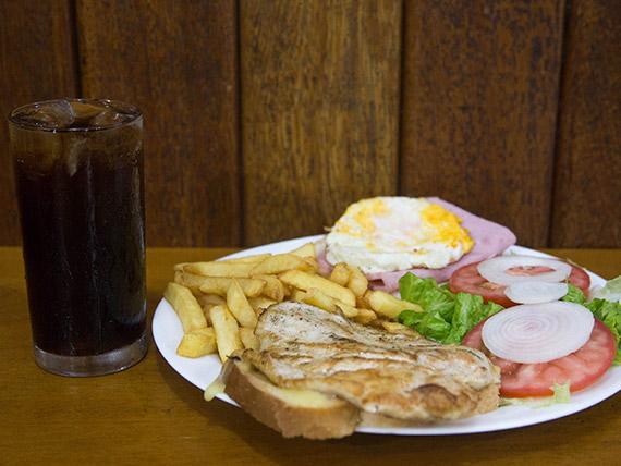 Combo - Sanduíche americano + porção batata frita + Coca Cola lata