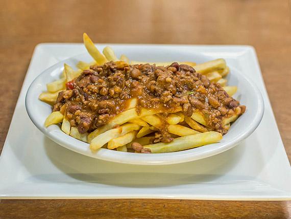Chili con fries