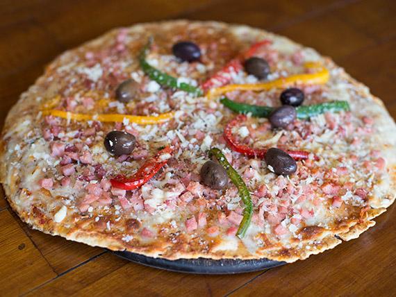 Pizza con provolone especial
