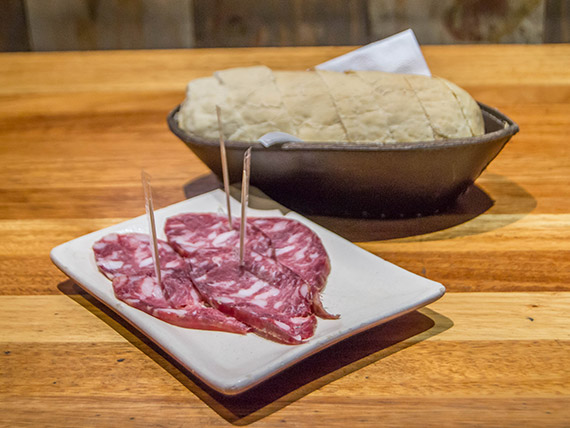 Tapa individual de salame de Colonia Caroya