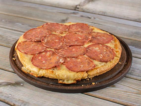 Pizza calabresa al molde