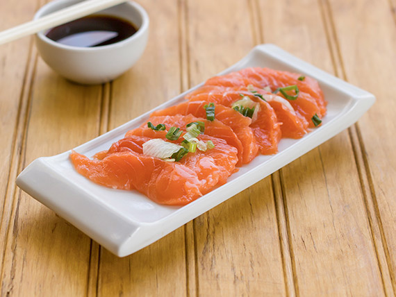 89 - Sashimi de salmón (9 cortes)
