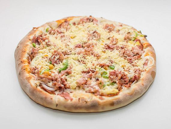 Pizza à moda do pizzaiolo grande