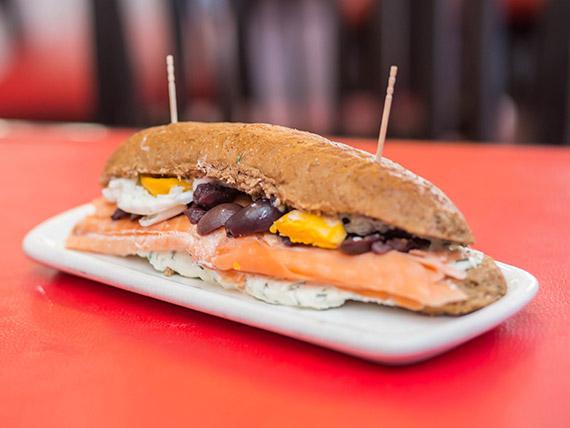 Sandwich ciabatta gourmet chileno