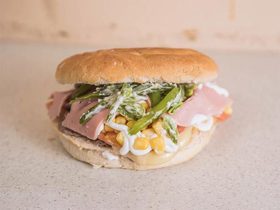 Sándwich Tiki Taka