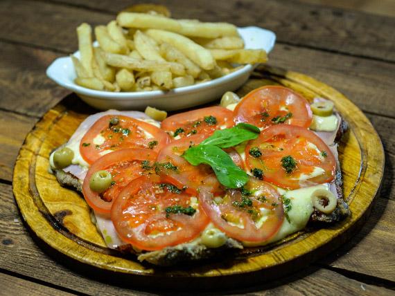 Milanesa napolitana con jamón