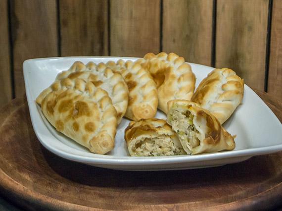 Empanada de pollo y salsa de puerros (horno)