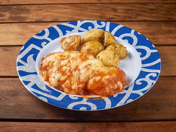 Filet de frango à parmegiana