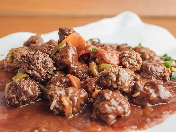 Albóndigas de carne agridulce