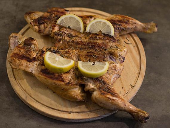 Pollo al limón con romero