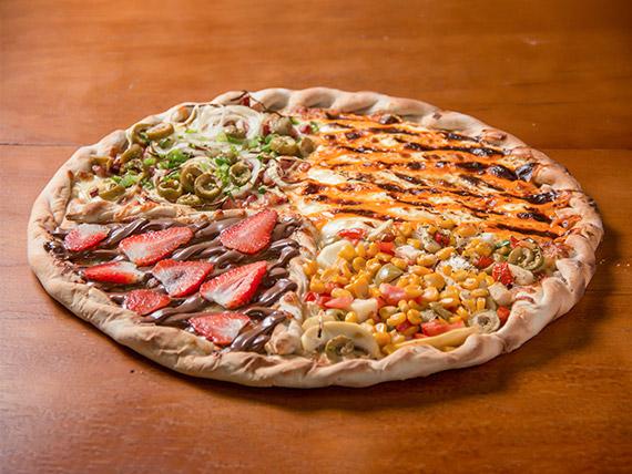 Pizza meio a meio tradicional super família+ 1 refrigerante fruki 2 L