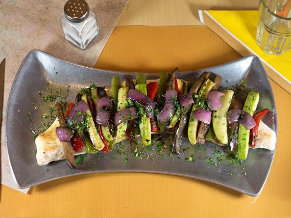 Vicentina con vegetales salteados