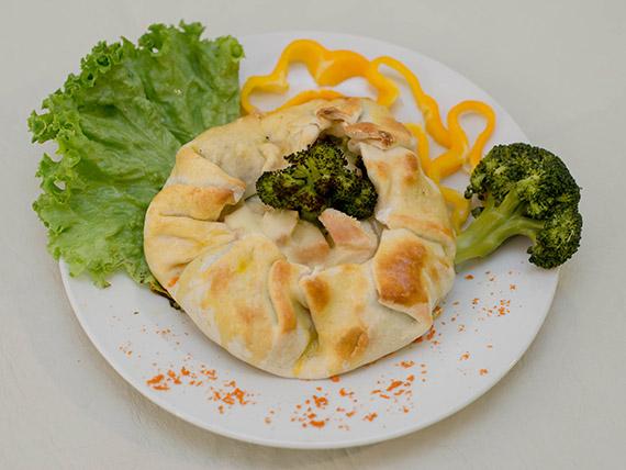 Tarta de pollo, brócoli y muzzarella