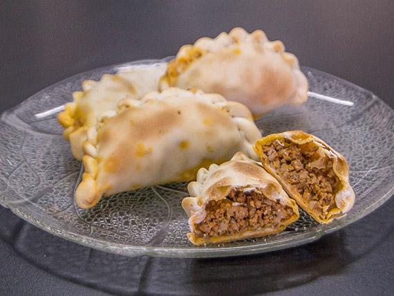 Empanada criolla