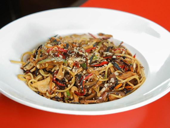 Jueves - Spaghettis con verduras al wok