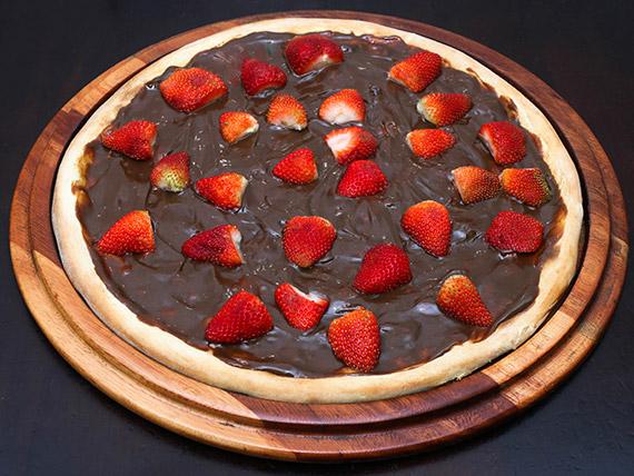 85 - Pizza chocolate com morango