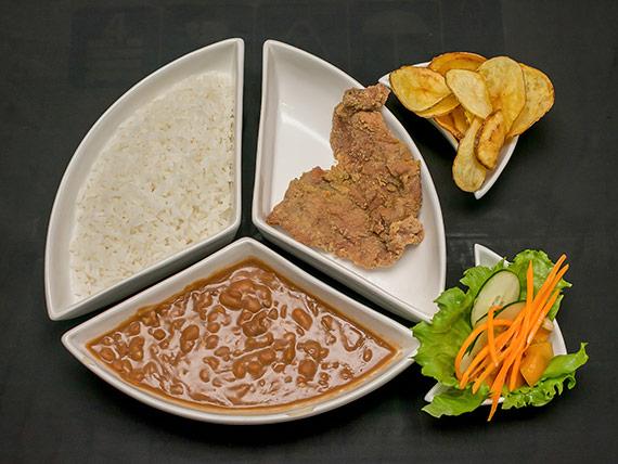 Bife de porco à milanesa