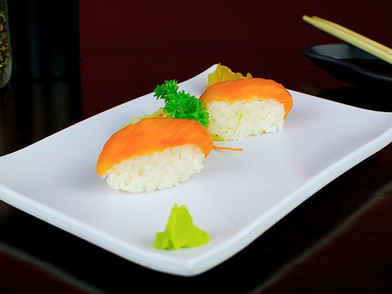 Sushi salmão (2 unidades)