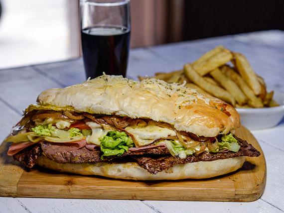 Sándwiche de Lomito uruguayo