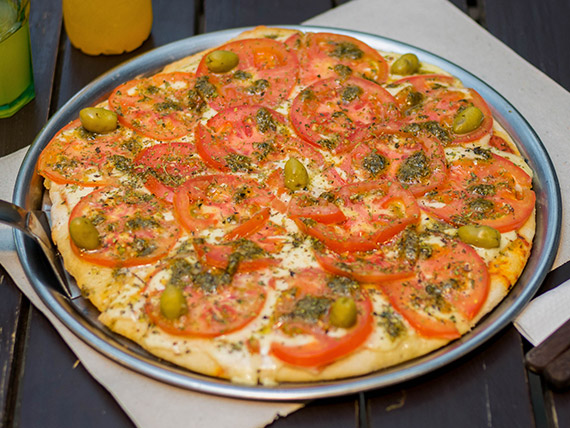 Pizza napolitana al pesto