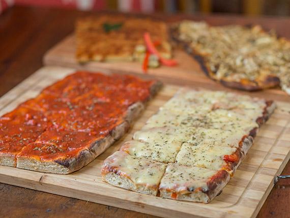 Promo 2 - 2 pizzas muzzarellas + 2 pizzas con salsa + 2 fainá + 2 figazzas