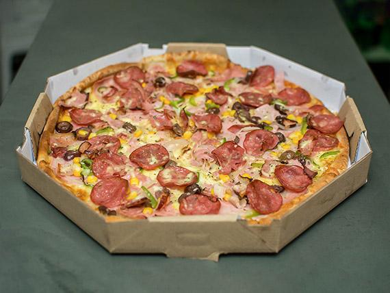 Pizza à moda grande