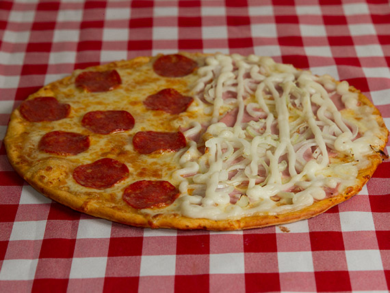 Pizzas meio a meio média