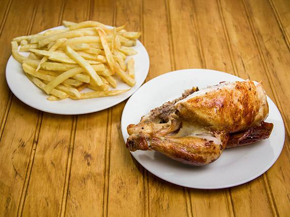 Combo 2 - 1/2 Pollo + Papas fritas + Refresco línea Coca Cola de 1.5 L