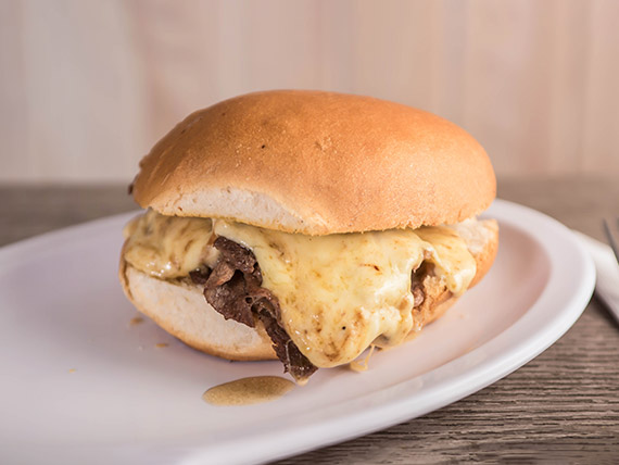 Sándwich de churrasco luco