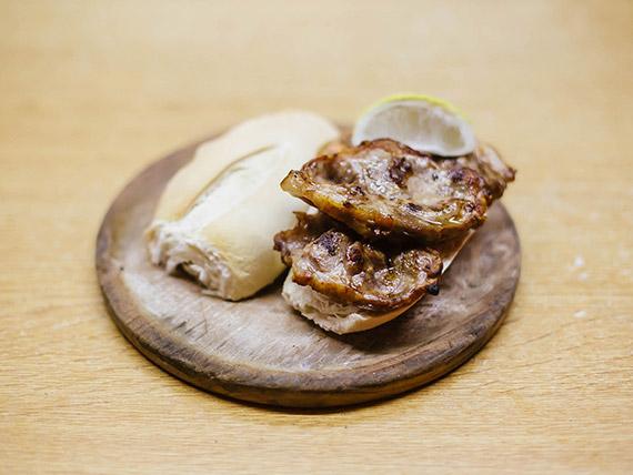 Sándwich bondiolapán