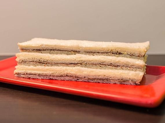 Sándwich de ternera y queso