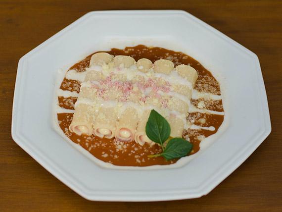 Canelone de presunto com requeijão (prato quente)