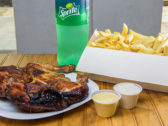 Parripromo 1 - Pollo entero + papas fritas Mega + bebida línea Coca Cola