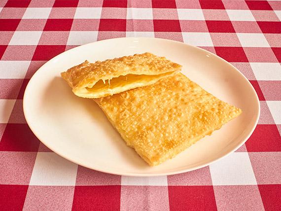 Pastel 2 queijos