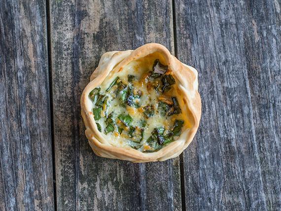Canastita de verdeo y parmesano