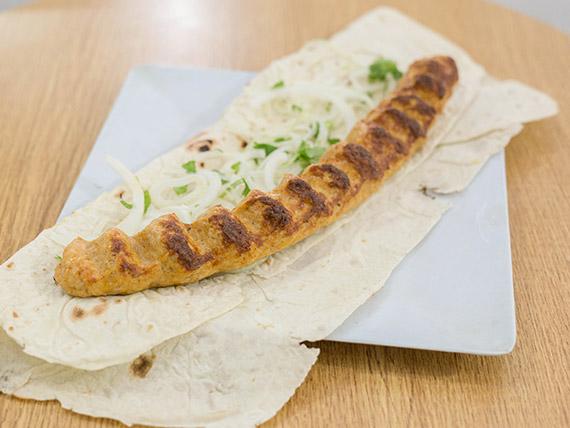 Shish kebab de pollo a las brasas