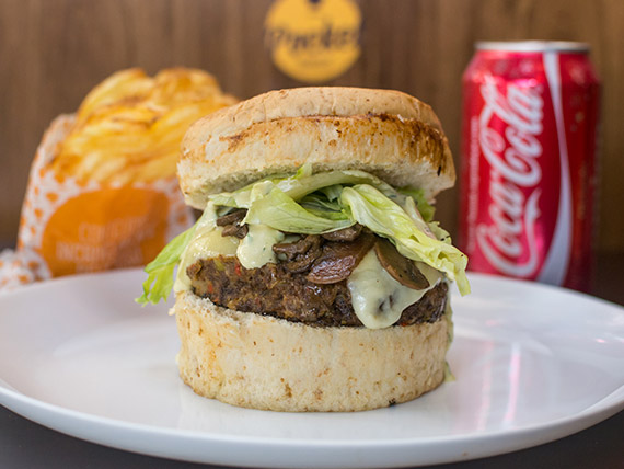Combo - Burger Farmer + refrigerante lata + chips