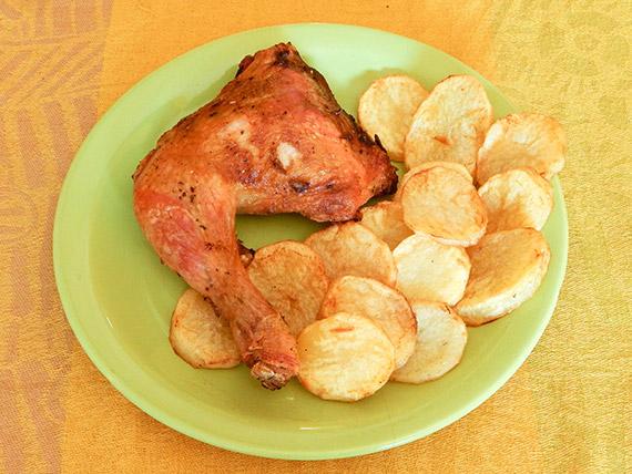 1/4 de pollo con papas al horno