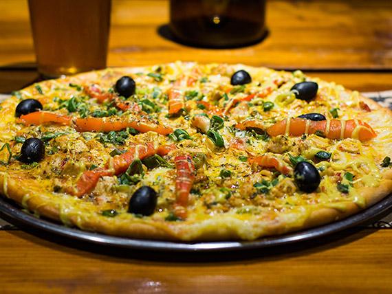 Pizza gourmet con pollo premium grande