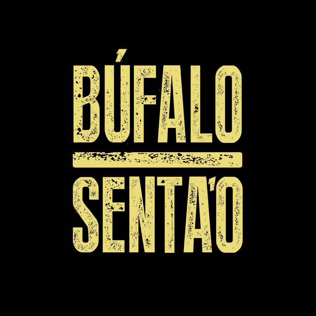 Búfalo Sentao Buena Mesa